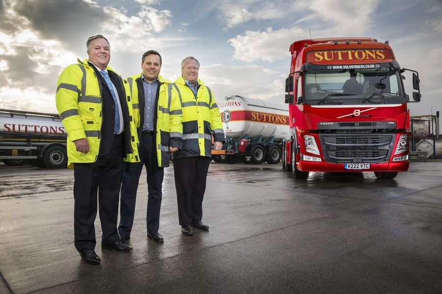 Directors with suttons tanker